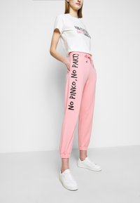 Pinko - ENOLOGIA - Tracksuit bottoms - pink - 3