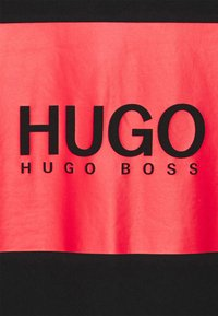 HUGO - DOLIVE - T-shirt imprimé - black - 5
