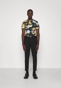Just Cavalli - T-shirt imprimé - black - 1