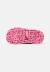 Puma - STEPFLEEX 2 UNISEX - Sports shoes - sachet pink/silver/white - 4