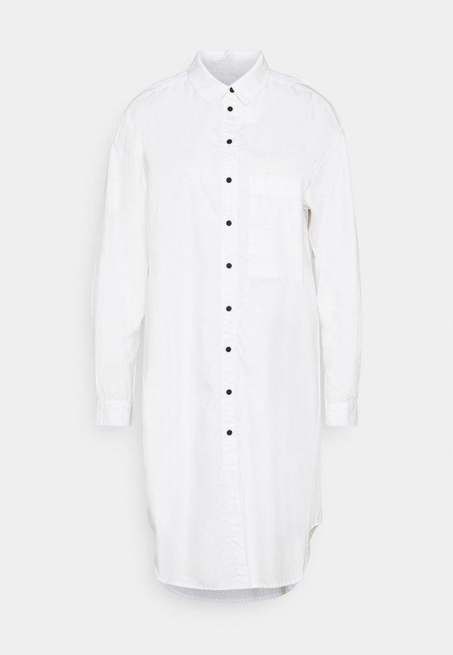 VIVIAN MIDI - Vestido camisero - white