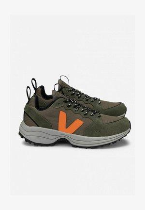 Trainers - kaki neon-orange