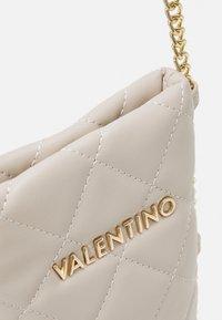 Valentino Bags - OCARINA - Étui à portable - ecru - 4