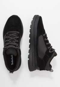 Timberland - FIELD TREKKER - Sneakersy niskie - black - 1