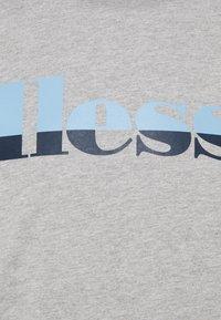 Ellesse - FILIP - T-shirt z nadrukiem - grey - 2