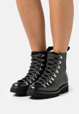 NANETTE - Classic ankle boots - black colorado