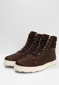 HUB - DUBLIN MERLINS - Sneakers high - dark brown/off white - 2