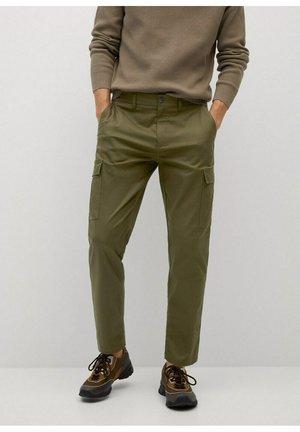 CARLOS - Pantalones cargo - khaki