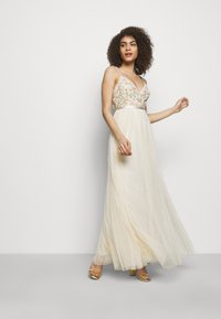 Needle & Thread - EMMA DITSY BODICE CAMI MAXI DRESS - Společenské šaty - champagne - 1