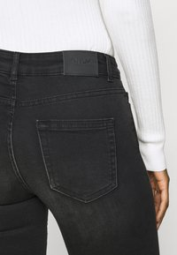 ONLY Tall - ONLBLUSH LIFE - Jeans Skinny Fit - black - 5