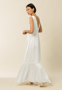 IVY & OAK - MALVA - Maxi dress - pearl - 2