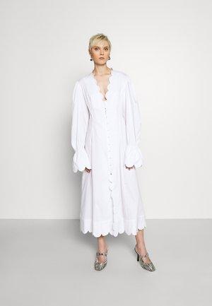 ODEILLE DRESS - Skjortekjole - white