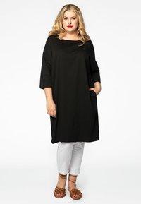 Yoek - Day dress - black - 1