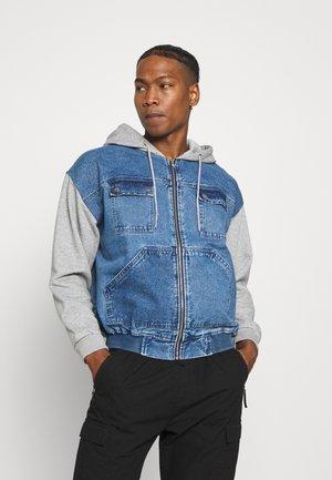 OVERSIZED JACKET - Denim jacket - blue