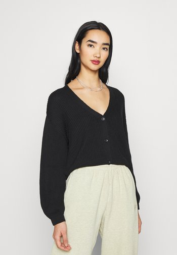 VOLUME SLEEVE BUTTONED CARDIGAN