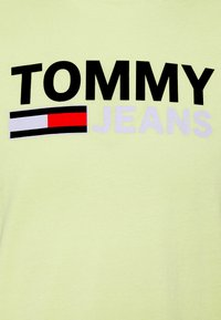 Tommy Jeans - CORP LOGO TEE - Print T-shirt - neon yellow - 7