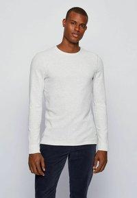 BOSS - TEMPFLASH - Long sleeved top - natural - 2