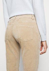 CLOSED - BAKER - Trousers - honey - 3