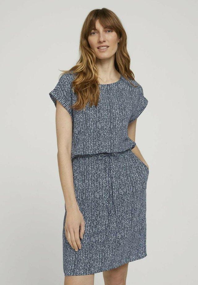 DRESS CASUAL WITH POCKETS - Korte jurk - blue minimal design vertical