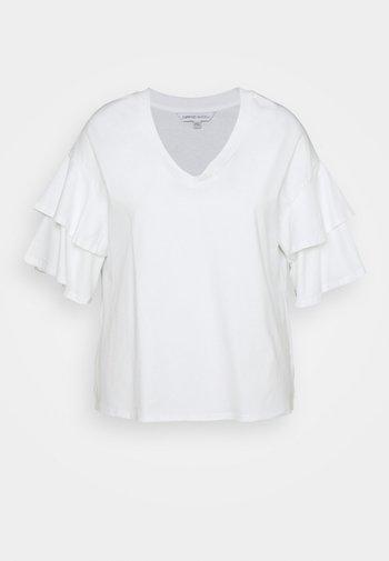 DROP SHOULDER - T-shirt con stampa - white