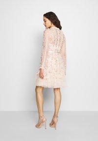 Needle & Thread - WALLFLOWER DRESS - Koktejlové šaty/ šaty na párty - pink - 2