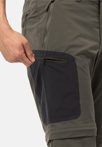 Jack Wolfskin - ACTIVATE LIGHT ZIP OFF - Outdoor trousers - grape leaf - 3