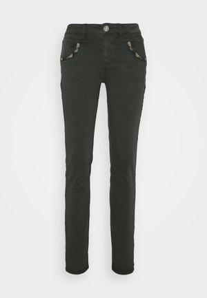 JEWEL PANT - Pantalones - khaki