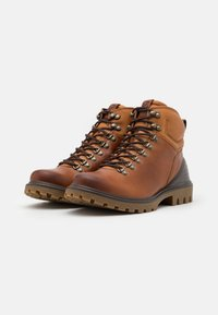 ECCO - TREDTRAY - Lace-up ankle boots - amber - 5
