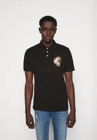 Versace Jeans Couture - Koszulka polo - black - 0