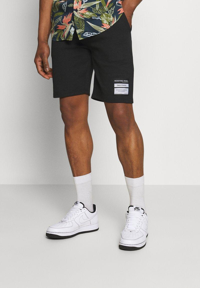 Redefined Rebel - ANDRÉ - Shorts - black