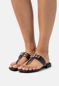 Furla - CHAIN THONG - T-bar sandals - nero - 0