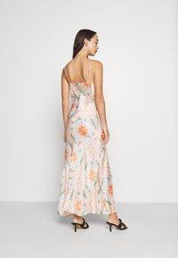 Never Fully Dressed - PEACH SUNSHINE MYA DRESS - Cocktailkjoler / festkjoler - peach - 4