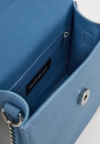 Even&Odd - Taška spříčným popruhem - light blue - 4