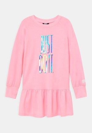 SPORTSWEAR DRESS - Denní šaty - arctic punch