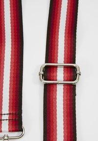 HVISK - STRAPS - Andre accessories - red - 2
