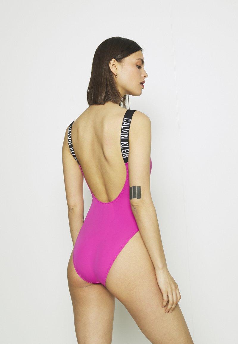 Calvin Klein Swimwear - INTENSE POWER SCOOP BACK ONE PIECE - Costume da bagno - stunning orchid