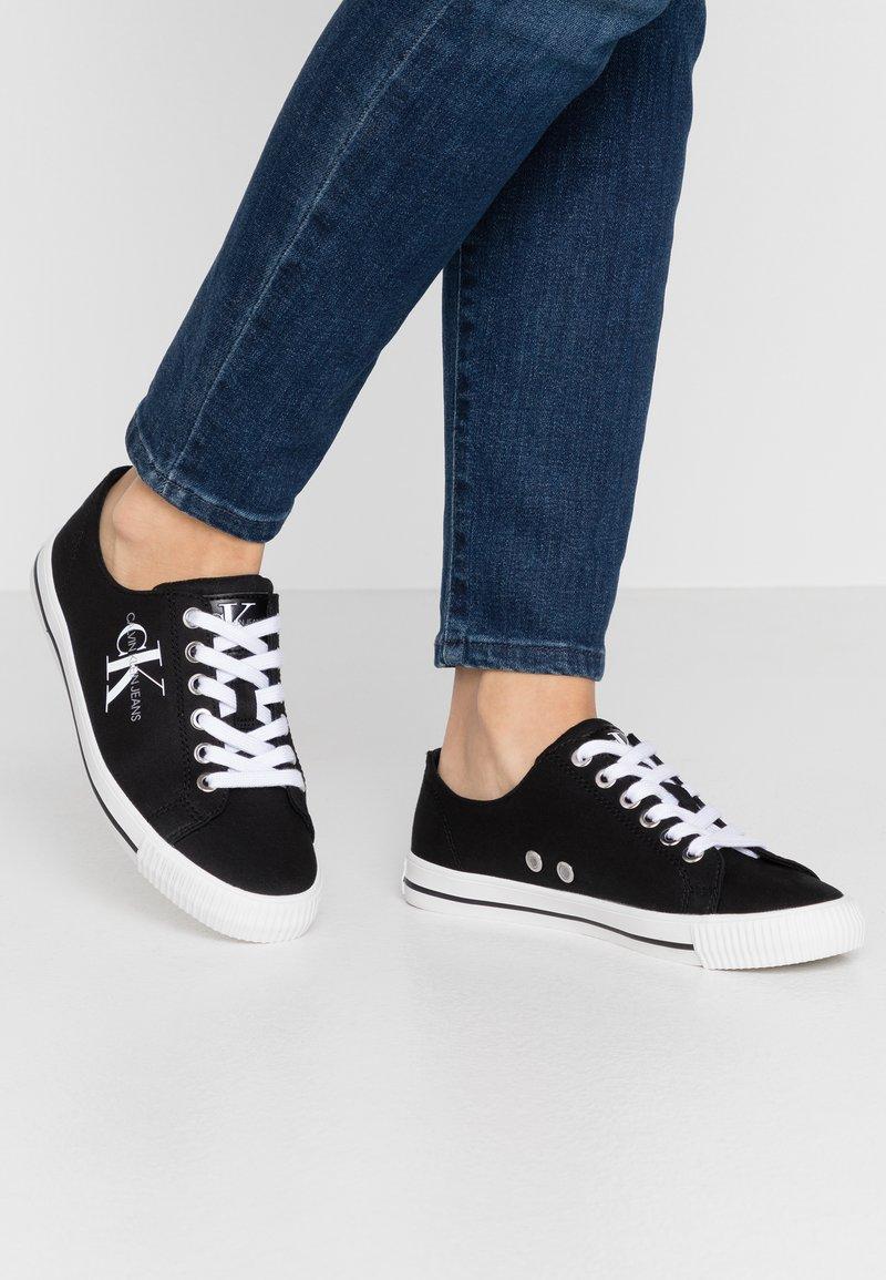 Calvin Klein Jeans - DIAMANTE - Joggesko - black