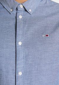 Tommy Jeans - Vapaa-ajan kauluspaita - blue - 6