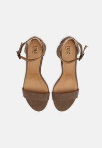 NAE Vegan Shoes - IRENE - Sandaalit nilkkaremmillä - beige - 4