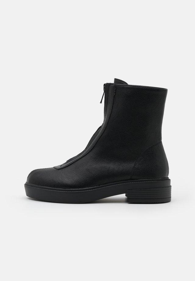 KAYLEIGH - Botki - black