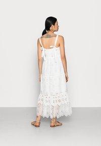 Forever New Petite - LORETTA SHIRRED MIDI DRESS - Maxi dress - porcelain - 2