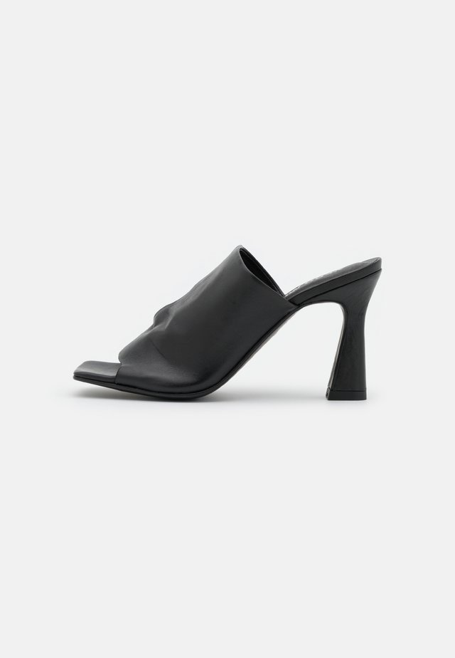 VMCARA - Heeled mules - black