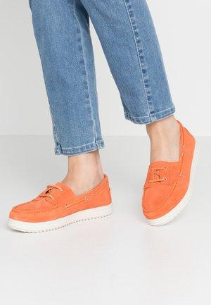 GENOVA - Boat shoes - orange