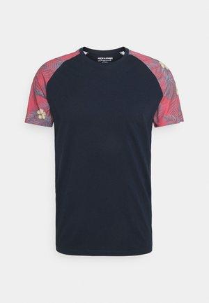 JORFOREST TEE CREW NECK - T-shirt med print - navy blazer