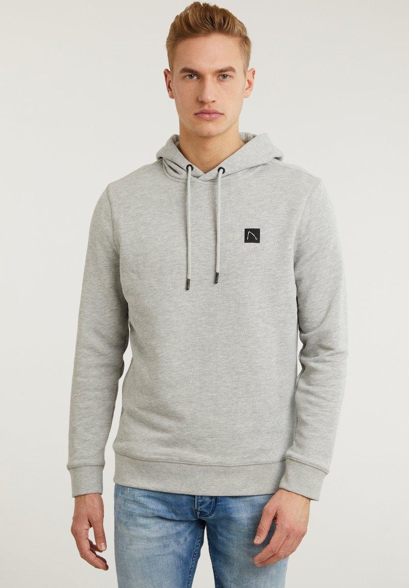 CHASIN' - RONNY - Hoodie - light grey
