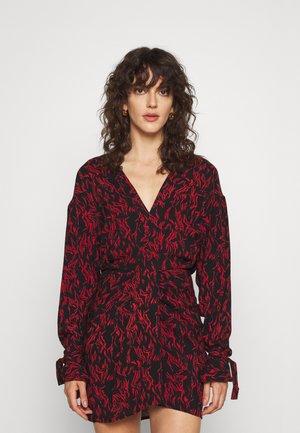 YHAZ - Denní šaty - black/red