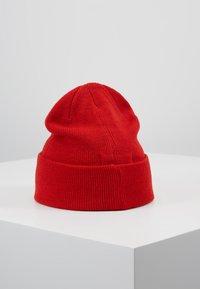 Moss Copenhagen - MOJO BEANIE - Beanie - fiery red - 2