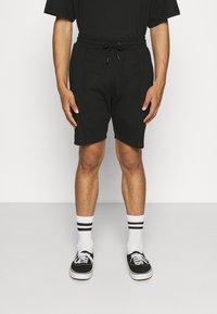 Newport Bay Sailing Club - SMART 2 PACK - Shorts - black/khaki - 2