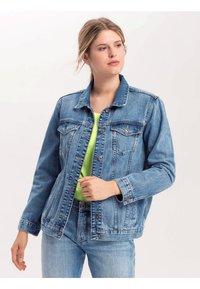 Cross Jeans - PAUL SCHRADER - Denim jacket - blue - 0