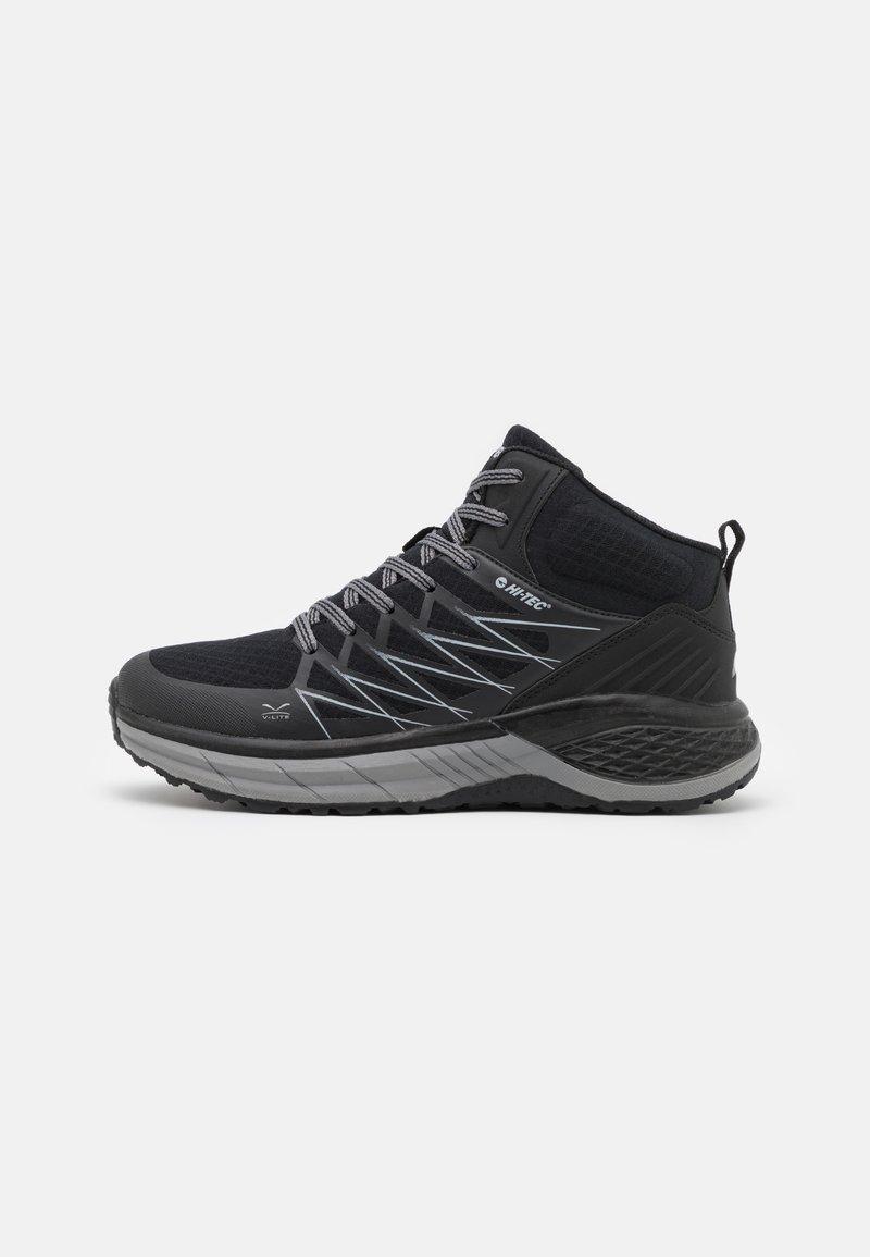 Hi-Tec - TRAIL DESTROYER MID - Chaussures de marche - black/silver